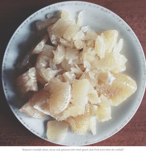 bord met fruit, gezond eten bij burnout; illustratie bij blog sabbatical