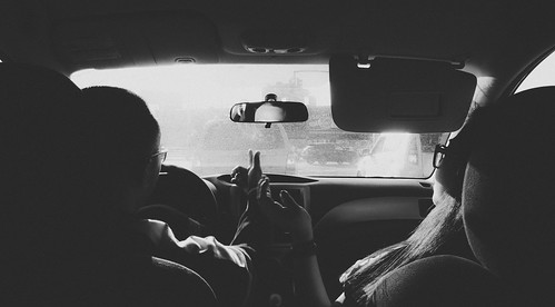 2 mensen in een auto: 10 dingen waar nog een woord voor nodig is